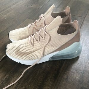 Nike air max's 270 flynit running shoe in guava
